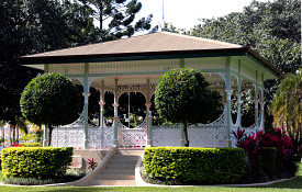 Gazebo Photo: wallyir/morgueFile