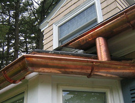 A custom copper gutter. (Photo: Ctd 2005/Flickr)
