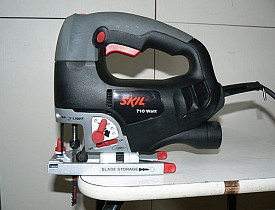 A Skil jigsaw, as photograpged by Zosma of Wikimedia Commons.
