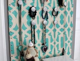 Stenciled jewelry organizer by DIY Design Fanatic.