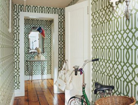 Chloe Sevigny's apartment. This is the photo that Linda is talking about. From House & Garden via HabituallyChic.blogspot.com