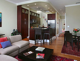 Bachelor penthouse designed by the author.  Photo: Linda Merrill