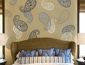 Photo: A wall painted by the author, Kass Wilson of Wallstreat Studio, via Hometalk.com.