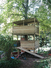 Tree house fort Photo: Danny Sullivan/flickr