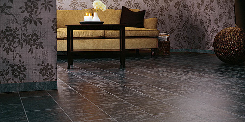 Stone look laminate floor by Jerry/flickr