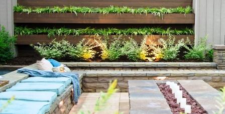 Vertical garden fence / courtesy Belgard