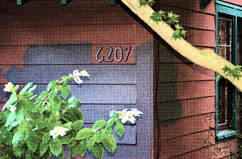 Painting over wood siding by Gary Millar/flickr