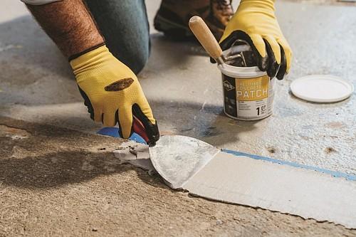 Filling cracks in concrete/courtesy Sakrete