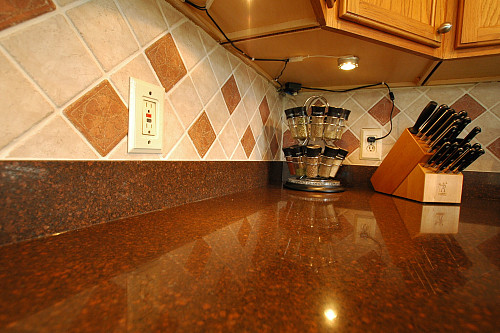 Quartz countertop in kitchen by Worktop Projects/flickr