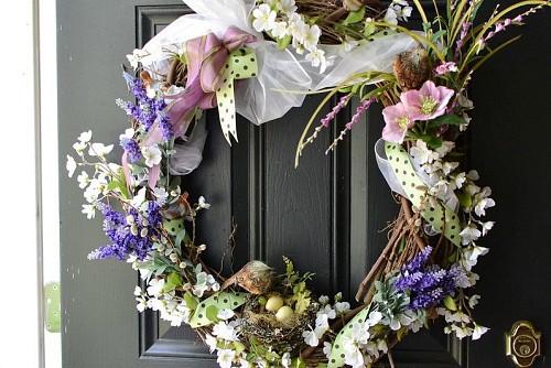 Spring wreath  Karen Cox / flickr