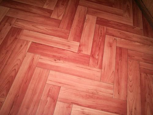 Wood-look linoleum by Ruslan V. Albitsky/Wikimedia Creative Commons