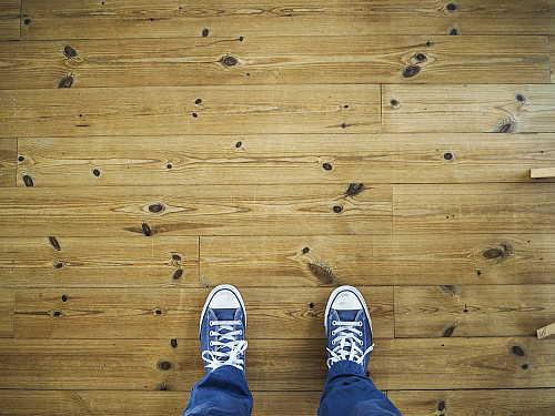 New laminate flooring by Mazrobo/Pixabay