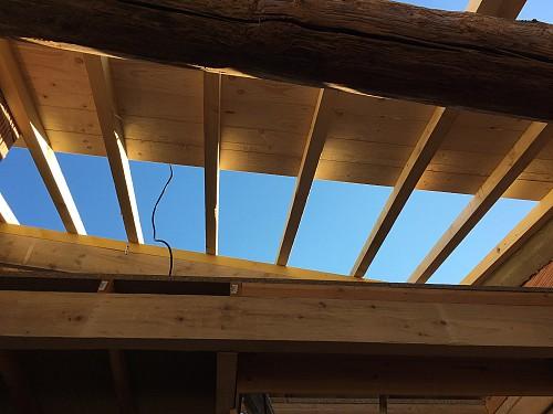 New roof in progress  Christine und Hagen Graf / flickr