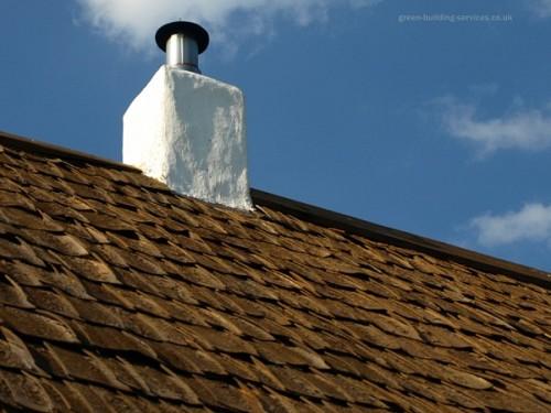 Wood shake roof  Chris RubberDragon / flickr