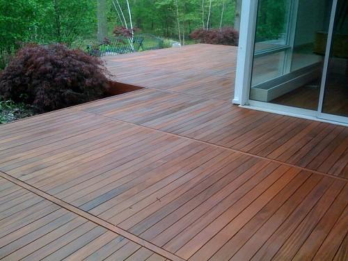 Ipe deck stain Opwdecks / Public domain