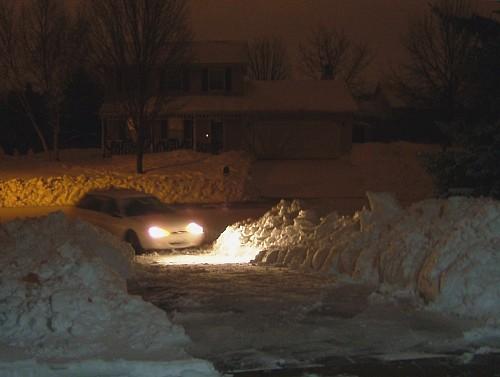 Snowy driveway by jess2284/flickr