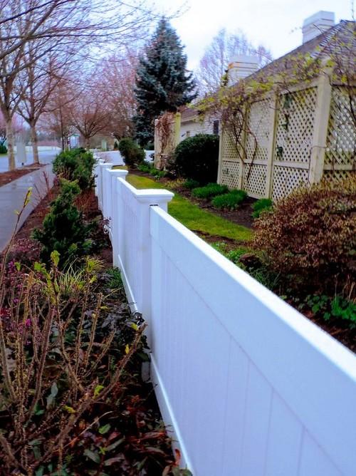 Vinyl fence  Peter Steens / flickr