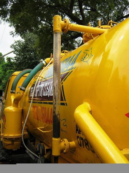Emptying septic tank Seeing Sanitation / flickr