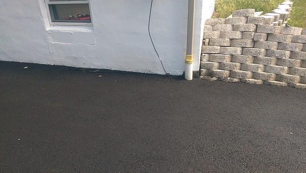 Professional driveway paving