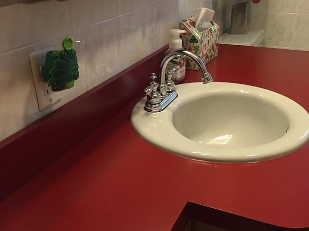 Sink and backsplash