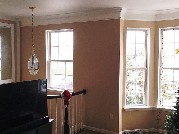 Fresh paint makes the living room really