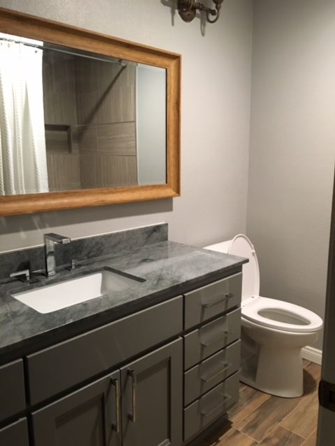 New bathroom countertop and vanity
