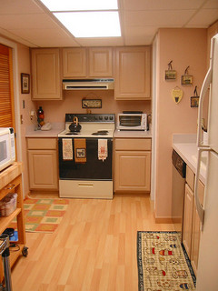 The pros and cons of a hardwood kitchen floor networx - Pros and cons of hardwood flooring ...