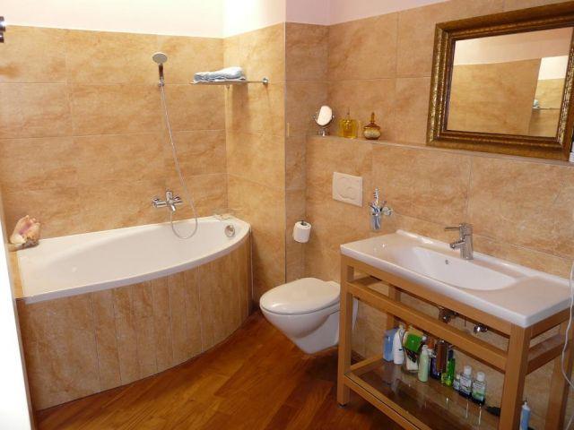 Water drips from bathroom exhaust fan networx - Bathroom exhaust fan installation cost ...