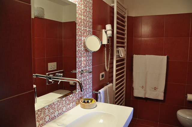 Expanding A Small Bathroom Networx