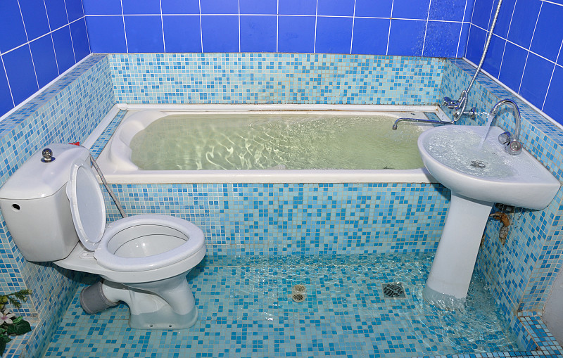 Leaky Tub? How To Find the Leak and What To Do | Networx