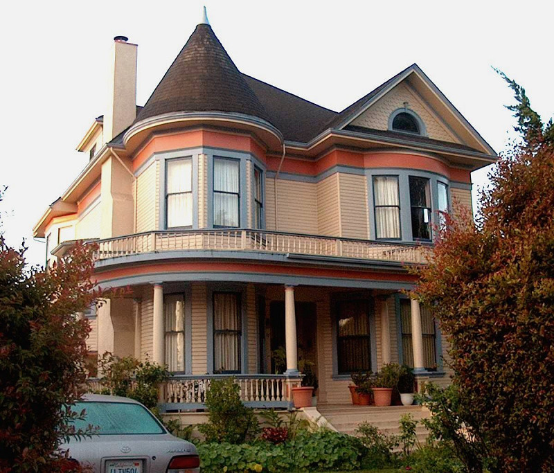4 Potential Problems With Old Homes And Why We Love Them