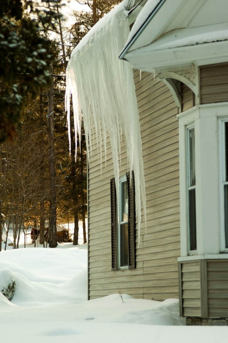 Icicles On Your Roof Are Bad Here S Why Networx