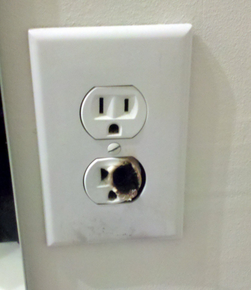 When Does An Electrical Outlet Need To Be Replaced?