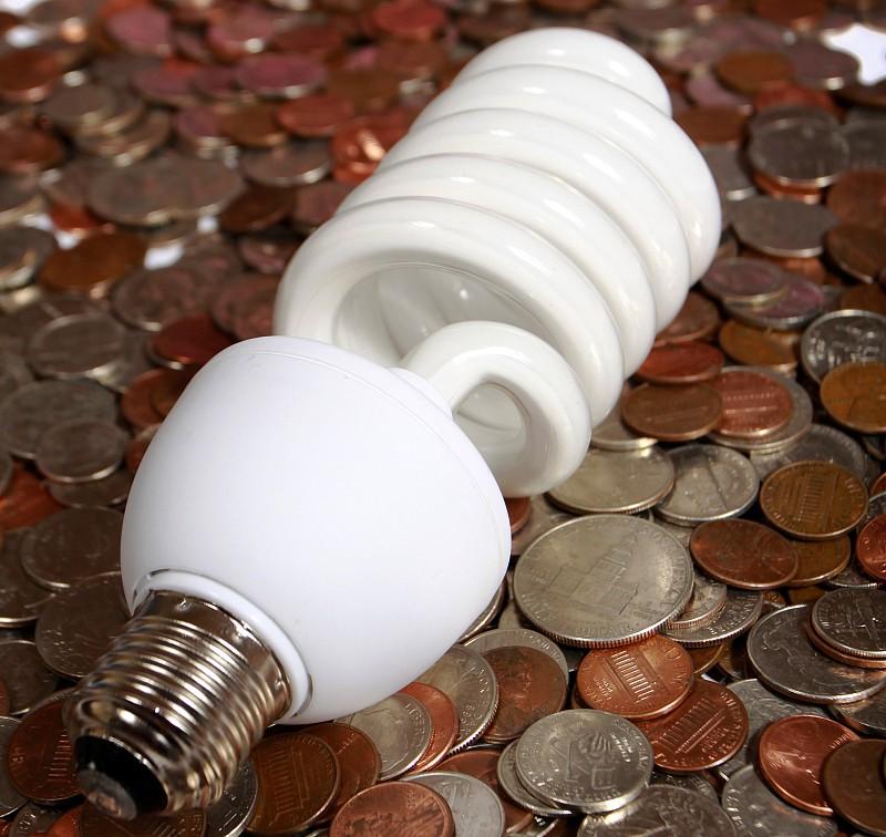 Garage Lighting Fluorescent Vs Led: CFL Vs. LED Lightbulbs: The Great Debate