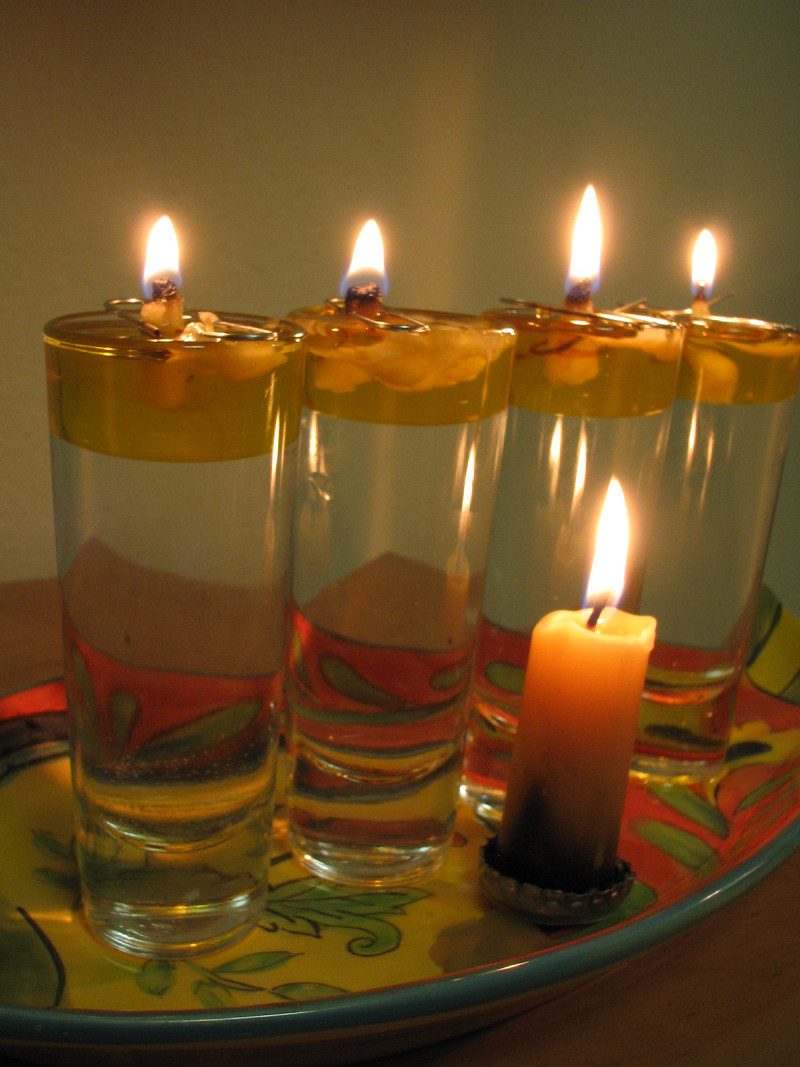 Picture of: Making Sustainable Diy Chanuka Lamps Networx